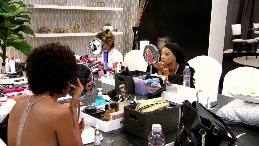 BGC Twisted Sisters Sneak Peek 1504: New  Girls Arrive