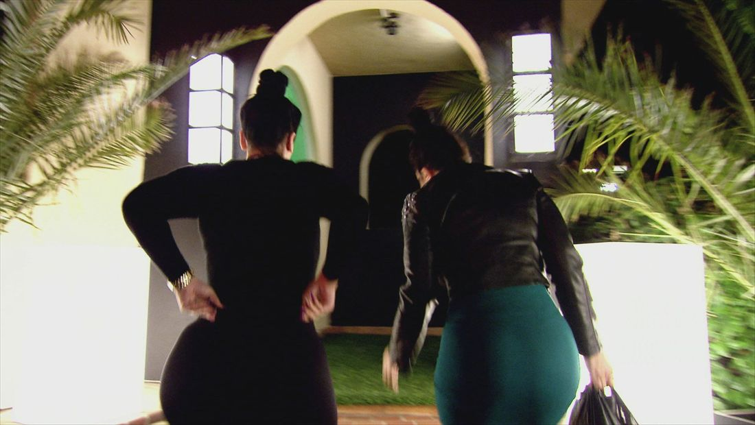 BGC Twisted Sisters Sneak Peek 1508: Where's Donkey and Shrek?
